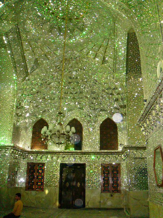 cornersoftheworld:  Aramgah-e Shah-e Cheragh (Mirrored Mausoleum for Imam Reza's brothers) in Shiraz, Iran.Images via ilefttorio2811, illuheaven,  davidbarry1959