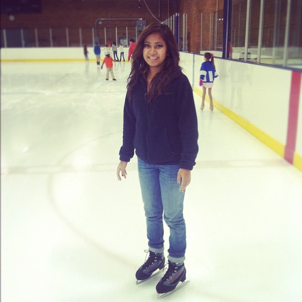 Ice skating is so fun and hard lol #firstTIMER #noob #date @freshwidit #iceskating #iwantTObeAicePRINCESS lmfao