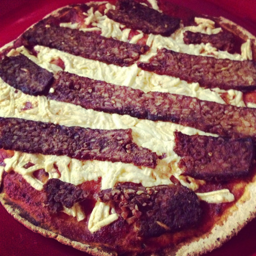 reblogged from healthyvegann:   Fakin bacon pita pizza.   Mummy pizza! All that's missing are the googly eyes.