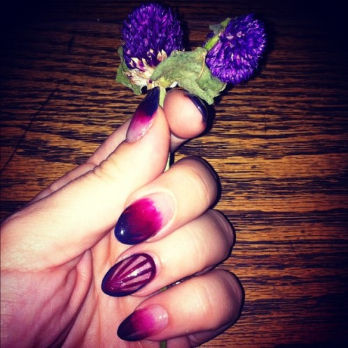Last nights table #flowers and #nails. (at Ruby's Cafe)