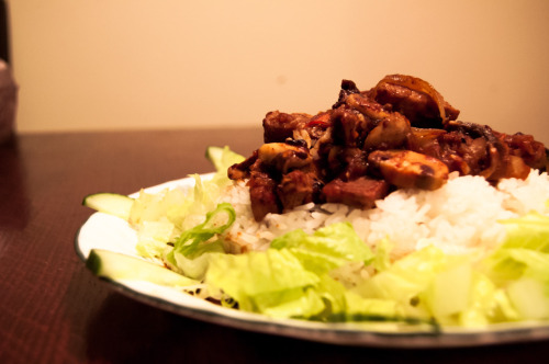 I made this black bean pork. Nothing fancy. My pictures came out kinda crappy but oh well. This was the only decent one. That pork was meant for stew but I didn't realize it T_T