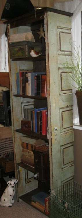 fopandfox:  (via Living For Less / doors used to build a book case)