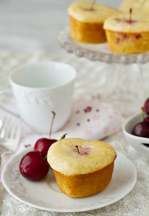gastrogoodies:  Lemon Cherry Tea Cakes