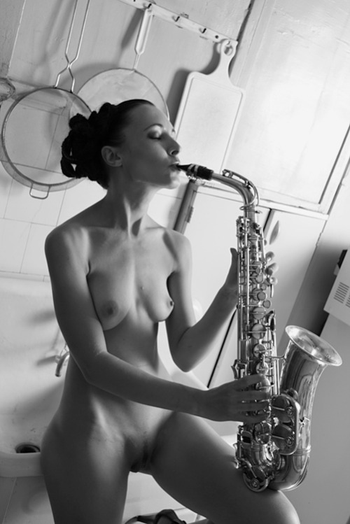 musicandnude:Alto Sax for My Hot Band!by misha108.photosight.ru