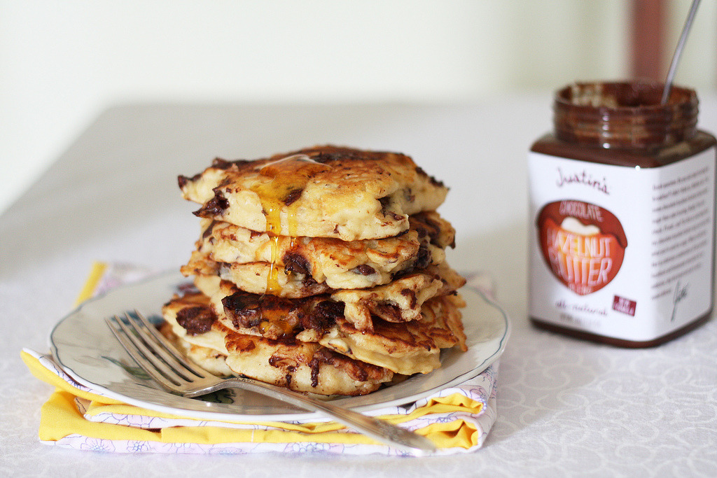 chocolate chip hazelnut pancakes (by emma@vanillasplash)