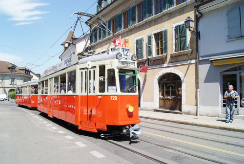 fuckyeahtrams:  Parade des Vieux Trams de Genève (Suisse) by trams aux fils. on Flickr.Geneva, Switzerland