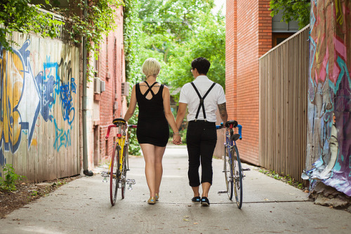 delightfulcycles:  bicycle engagement (via Kate & Alex | Flickr - Photo Sharing!)  absolutely adorable :3