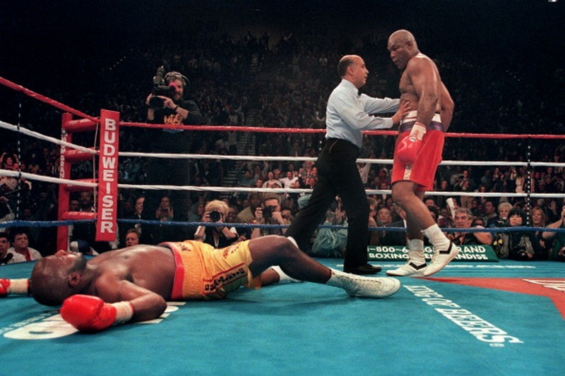 BACK IN THE DAY |11/5/94| George Foreman defeats Michael Moorer in the 10th round of their WBA fight in Las Vegas, becoming boxing's oldest heavyweight champion.