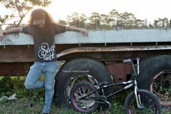 i am BlackSheep (>_^)/' *Lp bmx ^_^