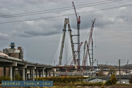 The new Mississippi River Bridge, coming along..