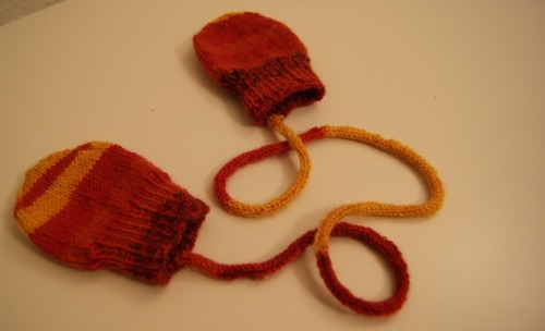 Infant mittens, pattern by the Purl bee