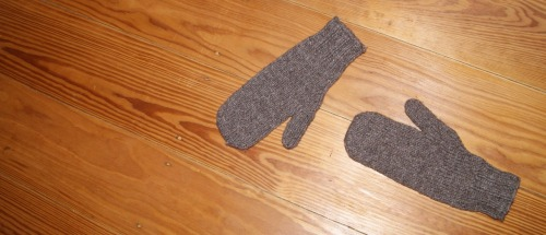 Some more mittens for myself =)