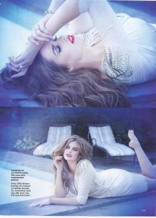 truthandfashion:  Model Robyn Lawley in Cosmopolitan UK photographed by Mark Andrew.