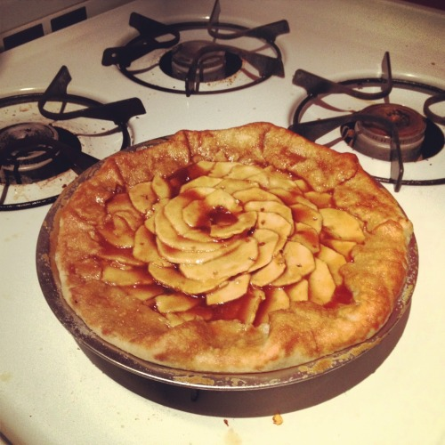 Caramel apple pie, baked in my kitchen.