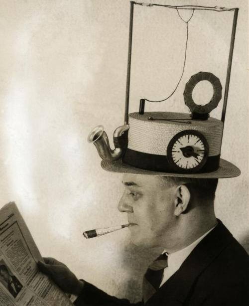 galaxyletters:  Early steam punk; this was a radio in a hat.