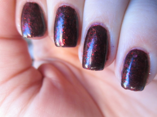 "jelly sandwich with zoya ""katherine"" this was my favorite jelly sandwich! i think maybe my favorite i ever made! this is a million layers of polish tho.  4 layers of zoya ""katherine"", 1 of china glaze ""electrify"", 1 of sephora by opi ""traffic stopper copper"" and then 2 more of ""katherine"".  next time i use this, i'm gonna have to start with an opaque purple as my base.  but this is like a fall night in manicure form! i love it"