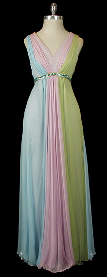 omgthatdress:  Dress Fernando Sarmi, 1960s The Frock  That reminds me a lot of a costume from The Borgias.