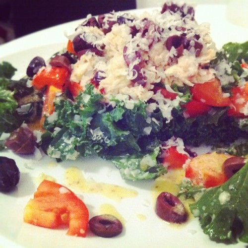 [dinner] kale salad w/ tuna, olives, tomatoes, Parmesan and mustard vinaigrette #food #healthy #salad #dining #nyc #green #nom