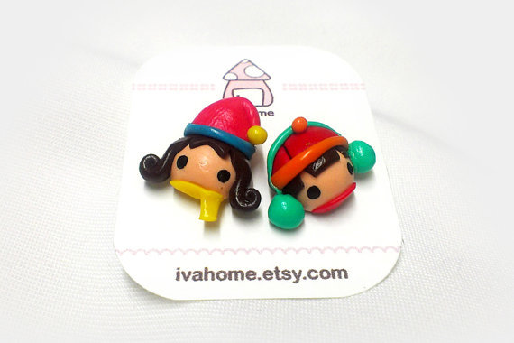 (via Lovely couple in winter hat stud earrings by ivahome on Etsy)
