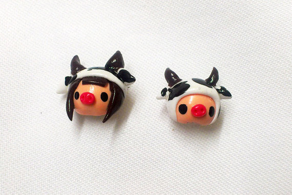 (via couple with pig nose wearing cow hat stud earrings by ivahome)