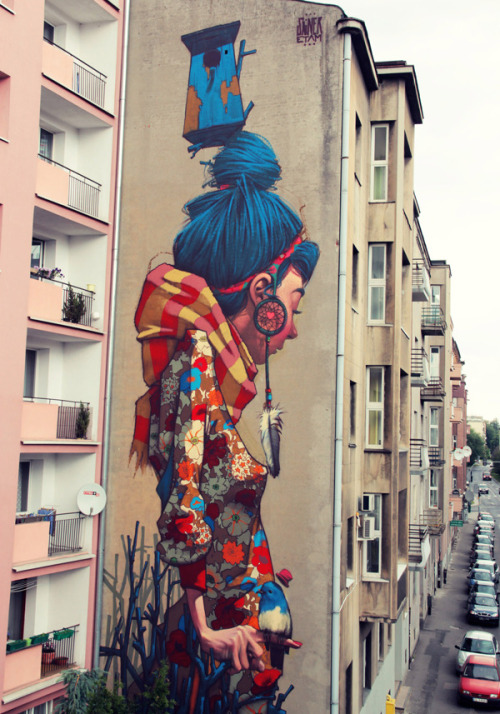 professional-princess:  This is in Lodz, Poland :) http://livefastmag.com/2012/11/art-crush-sainer/  Bad ass