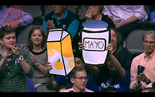 Look at these OJ Mayo fans…