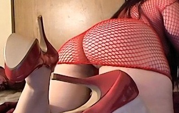 diaryofasexualdeviant:  #ass #heels #fishnet  Love fishnets!