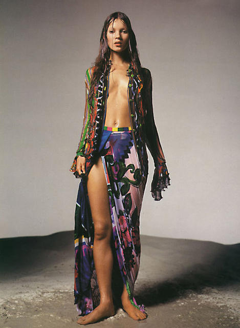 kenyanbunnieglamazon:  vivaversace:  Kate by Avedon for Versace  omg. Love