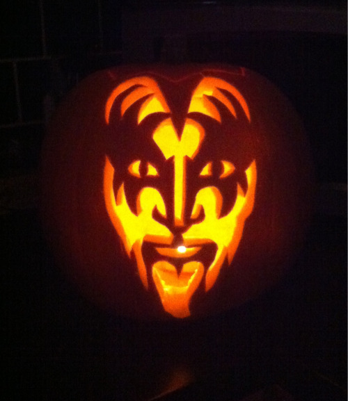 KISS Pumpkin I did for my sisters wedding.