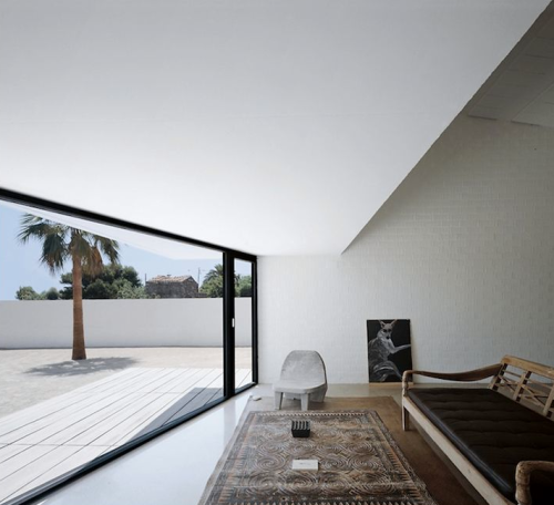 theblackworkshop:  House in Spain by Carlos Ferrater (Studio OAB)