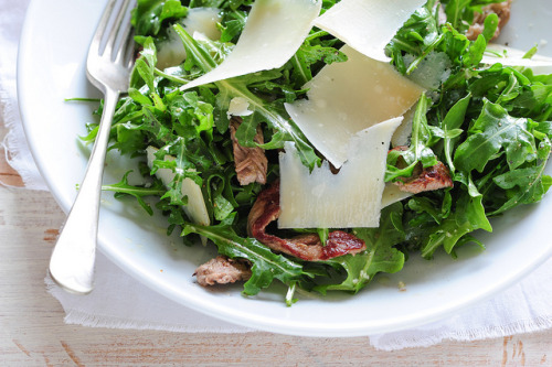 clottedcreamscone:  steak & rocket salad by jules:stonesoup on Flickr.