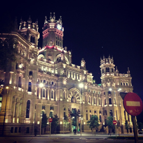 oylintokyo:  Central Madrid.  Oh you know, just my buddy hanging out in Madrid while filming a huge commercial for Nike. No big deal.