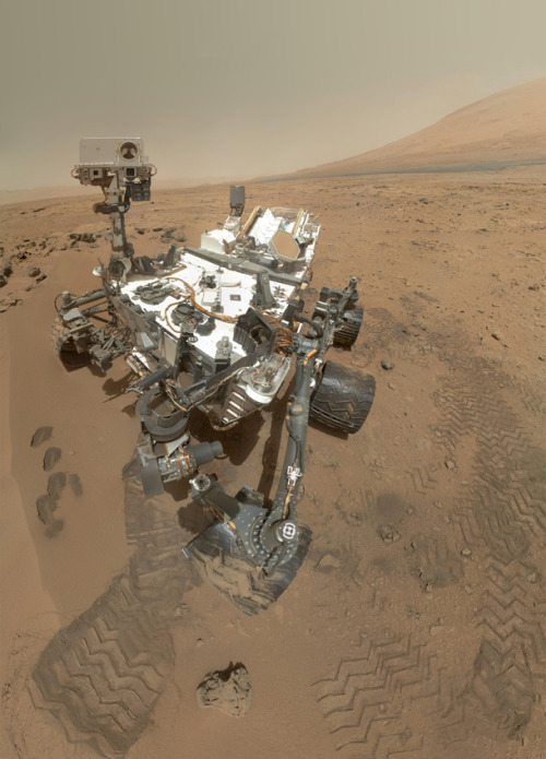 Curiosity: The latest Mars Rover self-portrait. (Yes, we can`t get enough of this marvel!) ( 3TPNEY5RHQQC ) —- Don`t mind that. Technorati code). the-star-stuff:  High-Resolution Self-Portrait by Curiosity Rover Arm Camera This incredible picture is a mosaic made up of 55 hi-res images taken by the MAHLI, the Mars Hand Lens Imager. That's a camera designed to be able to take close-up shots of nearby rocks and other feature, but can also focus all the way out to infinity, allowing it to take pictures of distant geographical features as well.  This high-resolution mosaic is a more detailed version of the low-resolution version created with thumbnail images, at: http://www.nasa.gov/mission_pages/msl/multimedia/pia16238.html . Image Credit: NASA/JPL-Caltech/Malin Space Science Systems