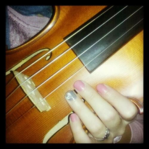 My #violin and #music #favoritething #fmsphotoaday #happyfeeling #mytherapy