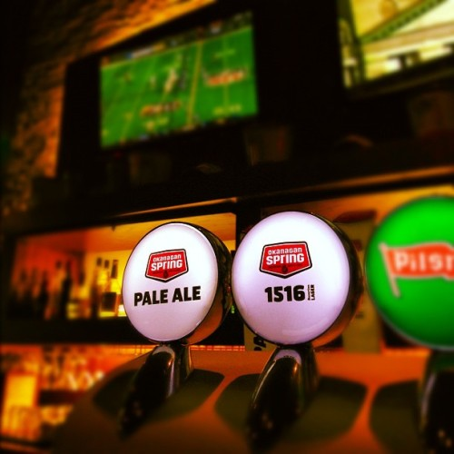 Two of the very best - on draft!  #OkanaganSpringBrewery #beer #PaleAle #1516 (at Vernon , BC)
