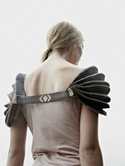 kierstencrowley:  (via Graduate Collection by Jessica Leclere jessica-leclare-graduate-collection-10 – Trendland: Fashion Blog & Trend Magazine)