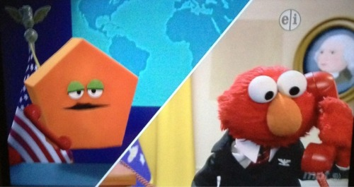jonnovstheinternet:  President Elmo on the phone with the Pentagon today.