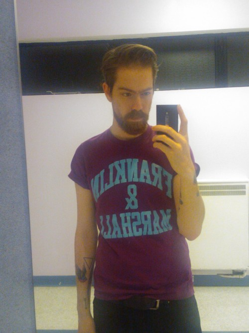 beardsftw:  theartofmirrors:  Gpoy. Decided on looking slightly American today.  [Follow BeardsFTW!]