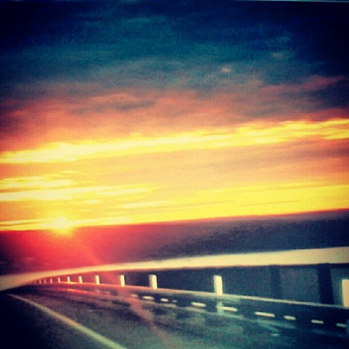 @laulovesyouu #throwback #sunset #newport #clouds #sky #pretty #beautiful #orange #yellow #pink #blue #creation #nature #instagood #water #ocean #trees #bridge