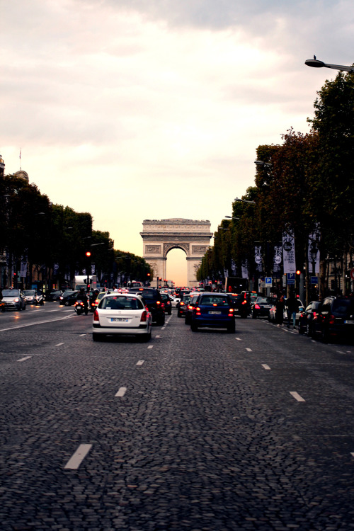 Arc De Triomphe, Paris Photo by Matthew Heaton