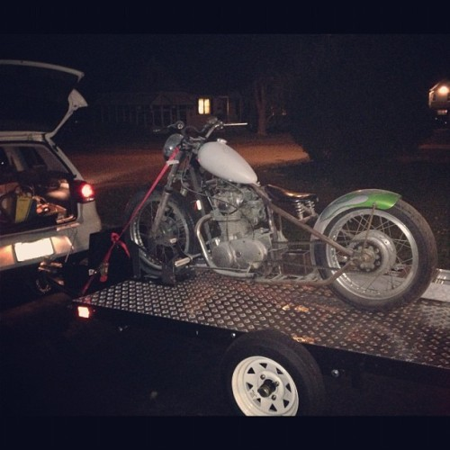 Look what I just dragged home. @bloodyd #xs650 #rigid #bobber (at Pat doodys house of ill repute)