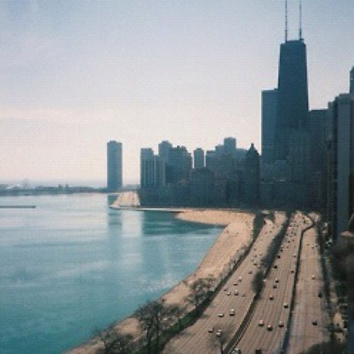 Chicago City. My Dream #chicago #city #travel #michiganlake #dream #illinois #usa #blackhakws #bulls #love #hope #beautiful #sky #blue #amazing #summer #road #bulidings #igaddict #instadaily #love #life #instalove #wish #luxury #future #needtogothere #home