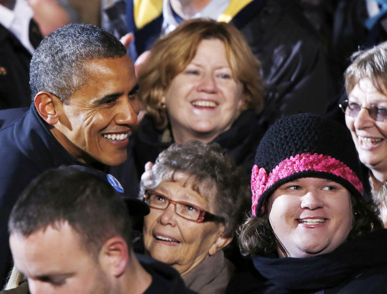 FLASH: MSNBC, CBS project Barack Obama wins re-election as U.S. President. [Live coverage] Photo: U.S. President Barack Obama greets supporters on his last night of campaigning in downtown Des Moines, Iowa, November 5, 2012. An emotional President Obama ended his final campaign on Monday in Iowa, the place that launched his first White House bid and that could hold the key to his political future. [REUTERS/Larry Downing]