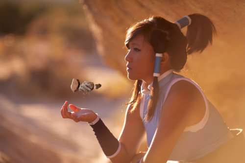 peanutbutterannjela:  Korra Cosplay - Patiently Earthbending by ~eloquium Finally created a DeviantArt account and uploaded a few of my Korra cosplay pictures!A special thanks to Andy Ryan for doing this photoshoot for me!