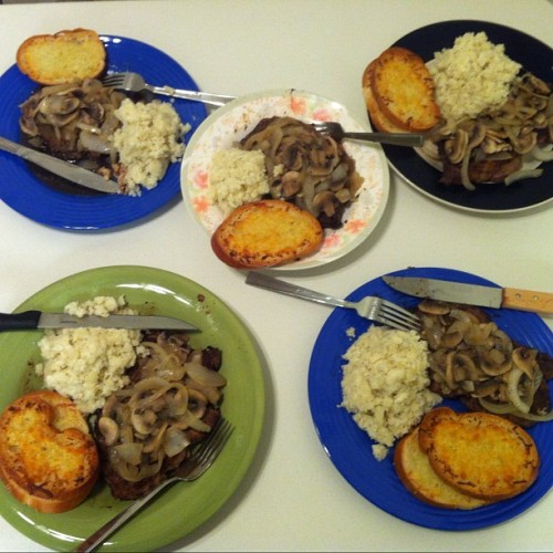 Home cooked meals are the best :) with   #steAk #garlictoast #onionsandmushrooms #moscato  #homemade #foodporn #delicious with @audreyyx3 @k3v1n1288 @camillejoyce and mari (not following u yet sorry o.O)