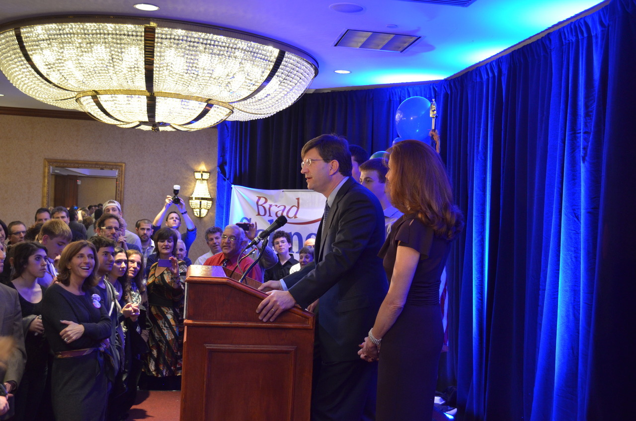 By Vince Dixon. Brad Schneider gives acceptance speech to 200 or so supporters at his Election Night rally in Northbrook, IL