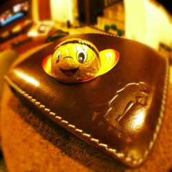 #bee #wallet #verneleather #chocolate #gift thx @sabitamahfud 😘😘 and @verneleather @rmzbwz thx bro (at C2-03)