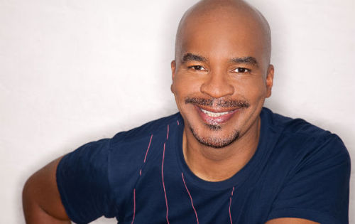 "Happy Endings has cast In Living Color alum David Alan Grier as Brad's (Damon Wayans Jr.) boss, Terry. Grier will appear in episode 13 of the ABC comedy series, titled ""The Heat of the Noche,"" as the owner of Brad's new place of employment. (via)  Two snaps in a Z formation."