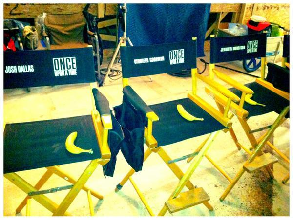 Yeah, this cast is bananas. @joshdallas @ginnygoodwin @jenmorrisonlive pic.twitter.com/SyAAs3OF