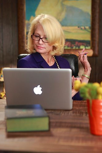 nbcthenewnormal:  Nana's got herself a laptop!